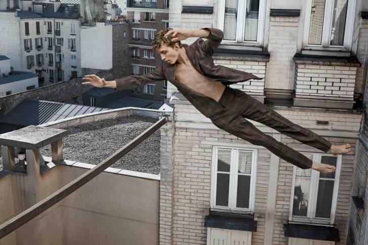 """Fransız Fotoğrafçıdan """"Düşmekte Olan İnsanların"""" Şiirsel Fotoğrafları"""