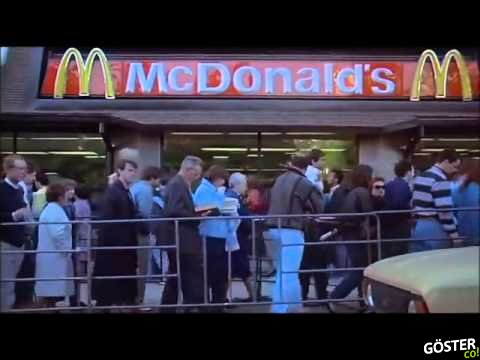 1990'da Sovyetler Birliği'ne Açılan İlk Mc Donald's'ın Önündeki Kuyruk