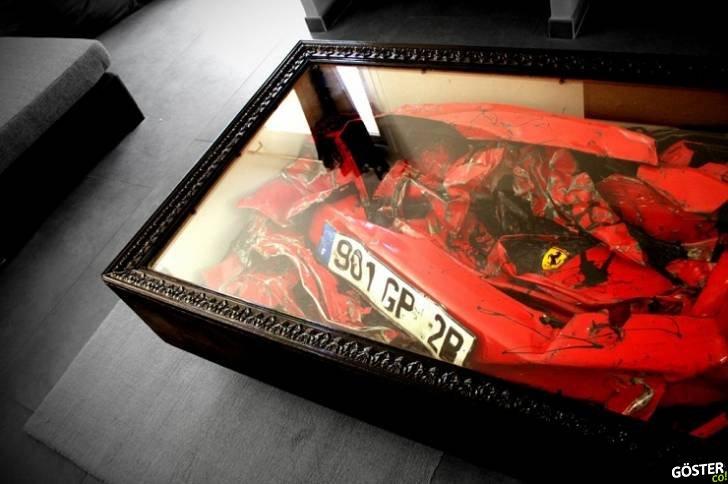 Kazalı Ferrari'yi Araba Mezarlığına Göndermek Yerine Sehpa Yapmak