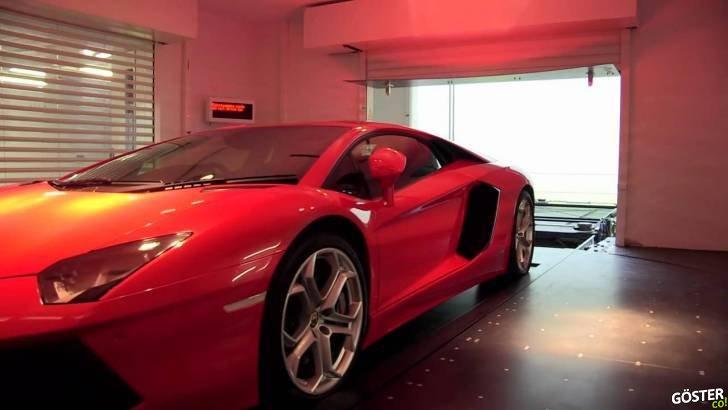 O Kadar Zengin Olmak ki Arabayı Bile Asansörle Oturulan Kata Çıkarmak