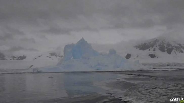 Antarktika'daki Patlayıp, Etrafa Dev Buz Parçacıkları Saçan Buzdağı