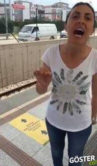 """Bursa'da """"Bayanlara Öncelikli Vagon"""" Uygulamasına Tepki Gösteren Kadın"""