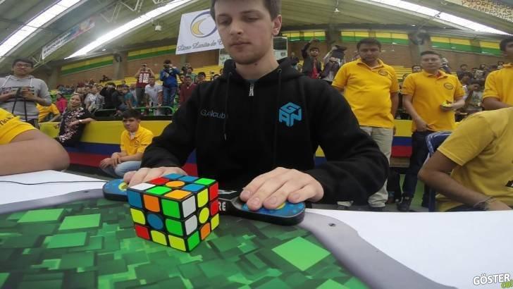 Ortalama 5 Saniyede Rubik Küp Çözen Aşırı Hızlı Yarışmacı