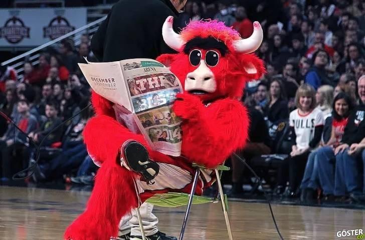Dünyanın En Ünlüsü: Chicago Bulls'un Maskotu Boğa Benny'nin En İyi Anları