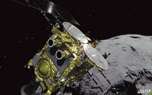 Japon bilim adamları, bir asteroide robot indirmeyi başardı