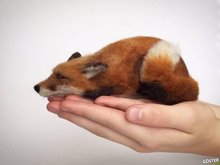 """Bir Sanatçının Tasarlayıp """"Ele Sığdırdığı"""" Canlıymış Gibi Görünen 8 Hayvan Heykelciği"""