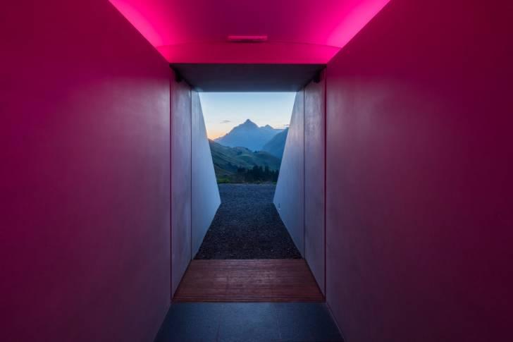 James Turrell'ın Avusturya Dağlarındaki Gökdeleni