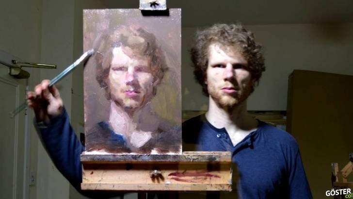 Aynaya Bakarak Kendi Portresini Tersten Çizen Aşırı Yetenekli Sanatçı