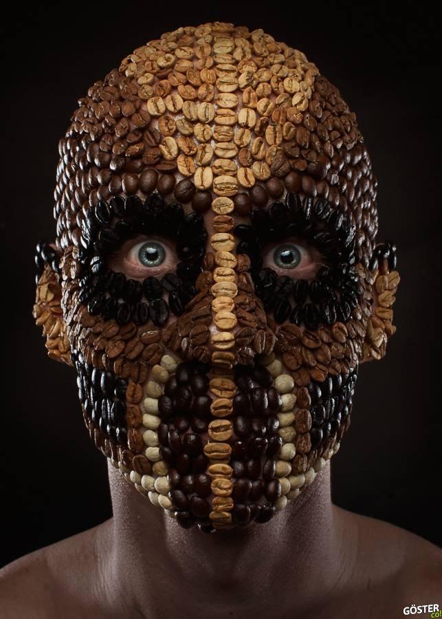 Mutfak Malzemeleriyle Yapılan, Ürkütücü Olduğu Kadar Kusursuz da Olan Maskeler