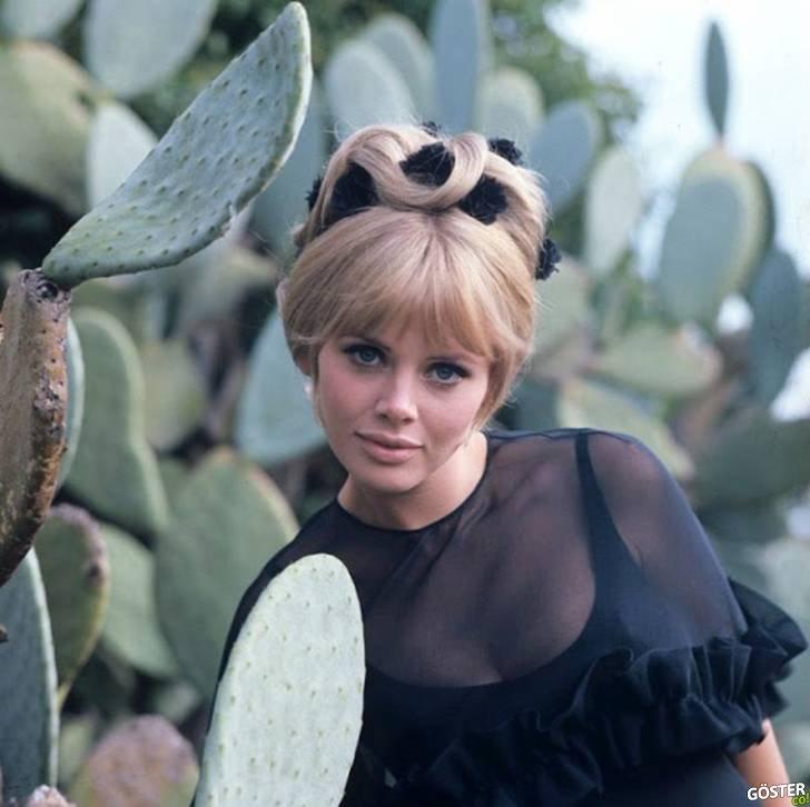 Bugünün Instagram influencerlarına taş çıkaracak, 1960'ların moda ikonu İsveçli Britt Ekland