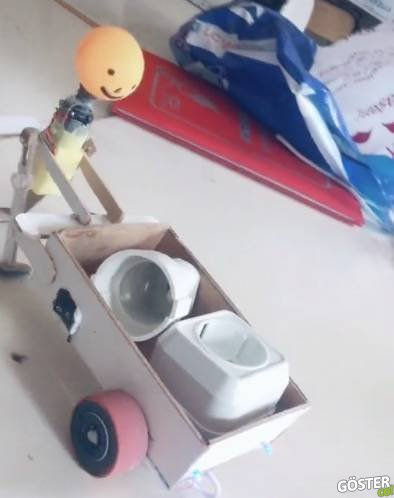 """Meslek lisesi öğrencisinin yaptığı """"amele"""" robot: Klasmanında çok başarılı ve tebriği hakediyor"""