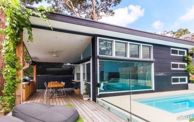 Evlerinin arka bahçesine minimalist anlayışla, modern bir ev daha inşa eden çiftin eseri
