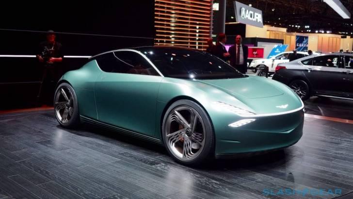İlginç bagaj kapağı tasarımıyla, elektrikli konsept otomobil Genesis Mint