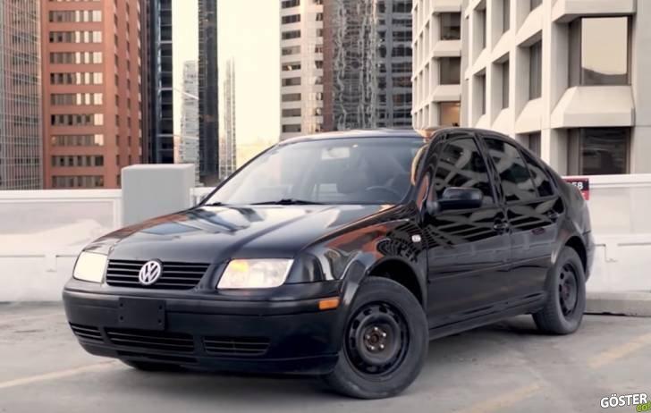 """Eski Volkswagen Jetta'sını bu 2 dakikalık kısa ve etkili reklam filmi ile pazarlayıp """"satan"""" adam"""