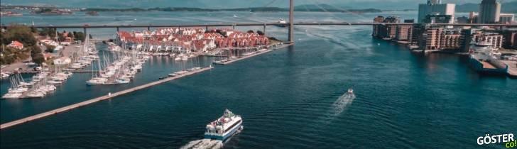 A ferry sailing towards Stavanger city centre