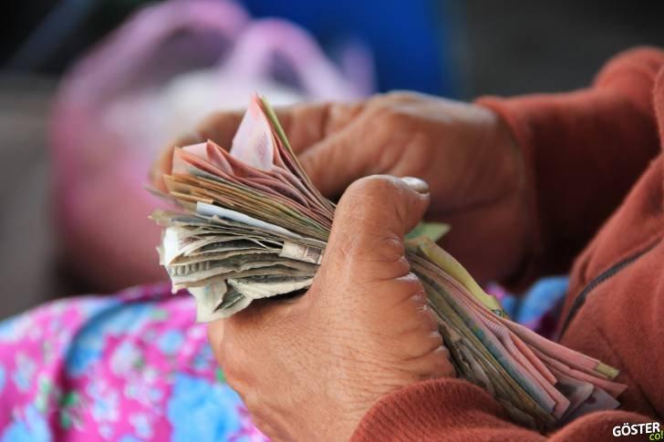 Faiz tam olarak nedir, faiz ile bankalar nasıl para üretiyor, kredi çekip faize girmek mantıklı mı?