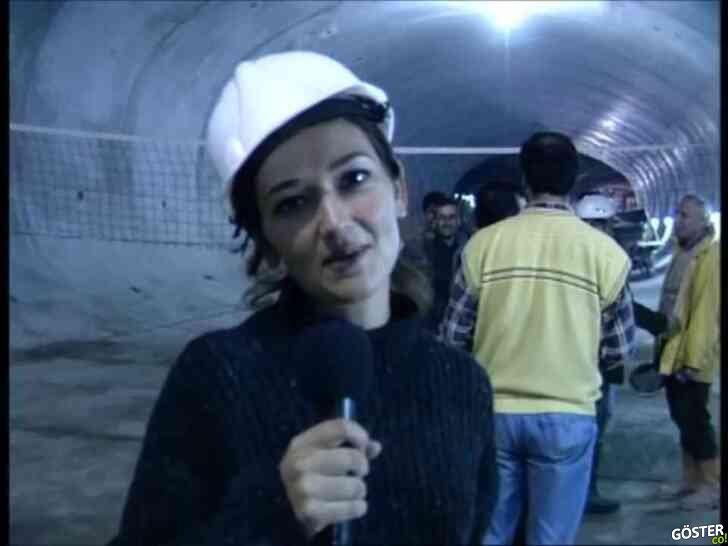 90'larda henüz inşaat devam ederken, Taksim'de metro yolunda yürümek